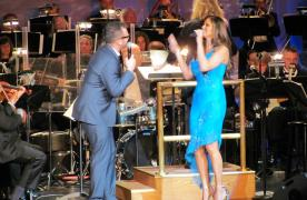 Duet of singers at the MSO Symphony Idol performance
